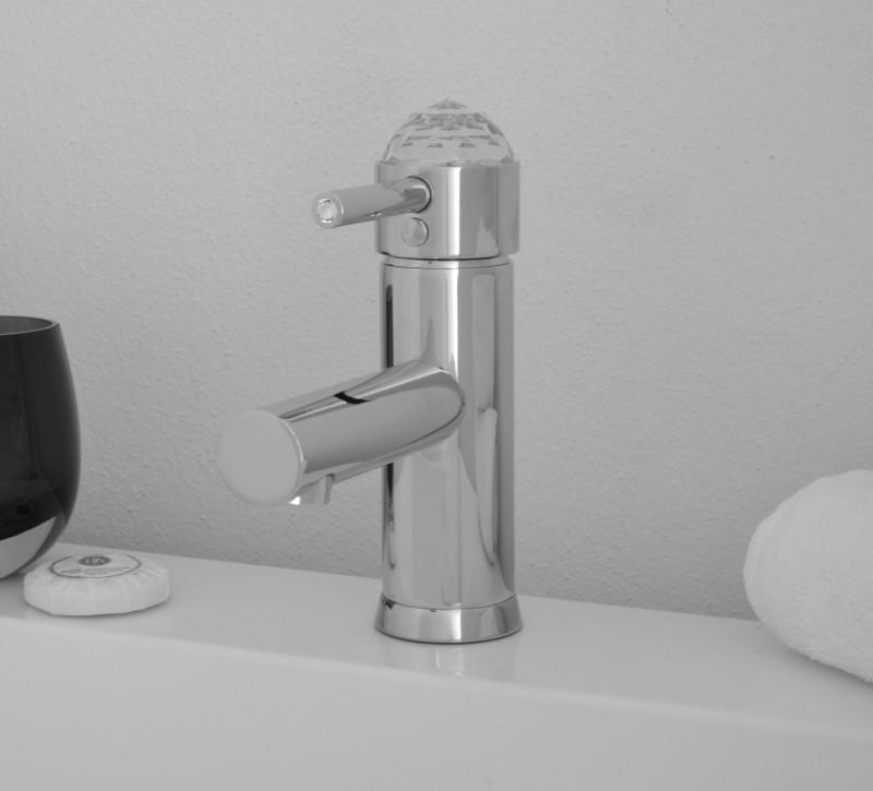 Light swarovski deluxe rubinetti e miscelatori bagno savil - Rubinetti bagno classici ...